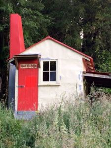 4-bunk Goat Creek Hut was the first NZ back country hut to be dropped in by fixed wing aircraft